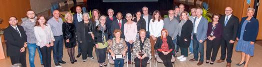 Lauréats de la 38e édition du concours Maisons fleuries en compagnie des membres du conseil de Saint-Laurent